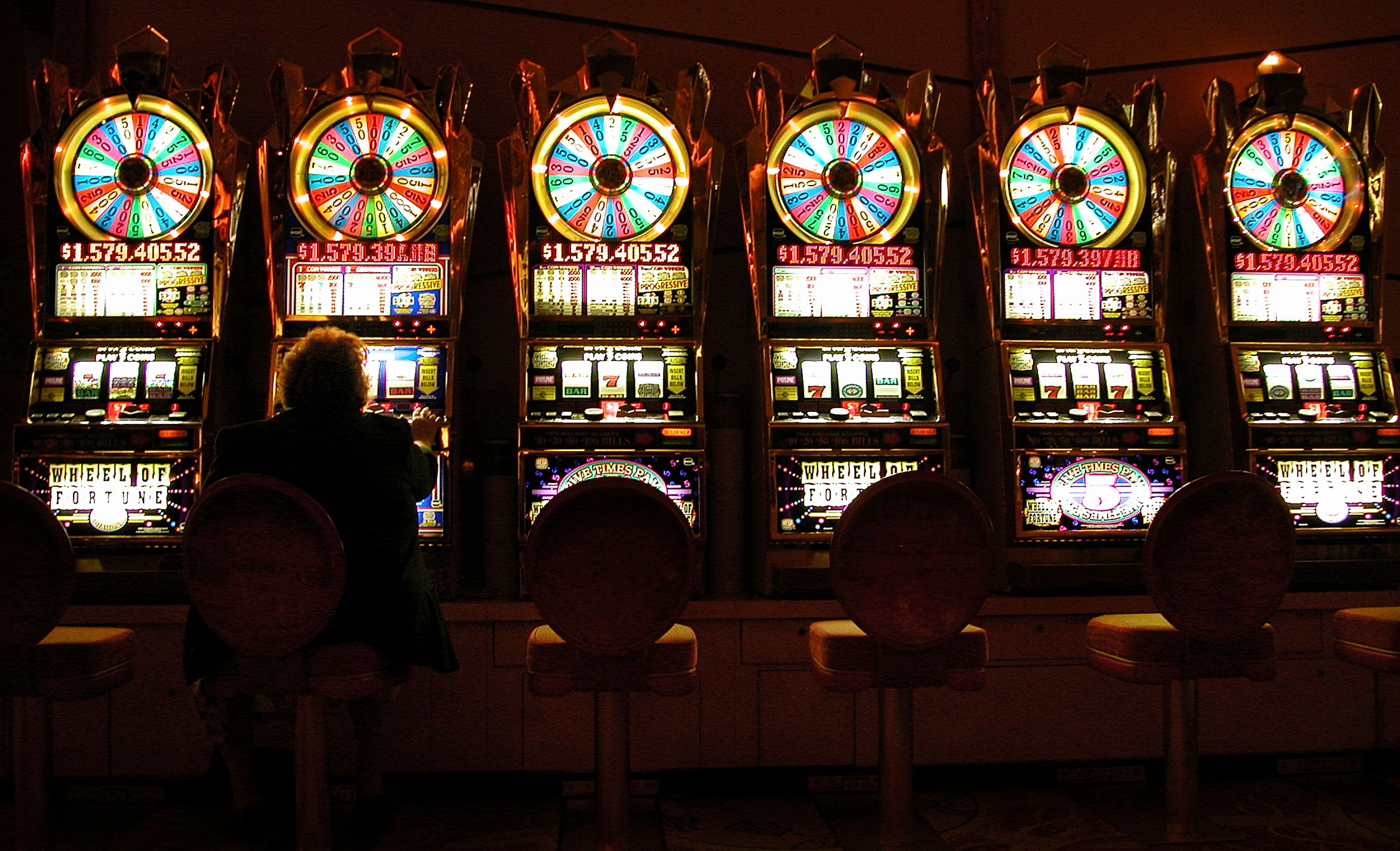 casino project essay By peter blecha posted 8/31/2010 historylinkorg essay 9548 at 10:00 pm on the thursday evening, november 6, 2008, the snoqualmie casino holds its grand opening event located 30 miles east of downtown the casino -- a dream project for the snoqualmie tribe --is also one that was a long time in the making.
